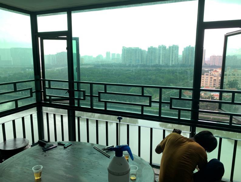阳台窗户西晒贴防晒膜